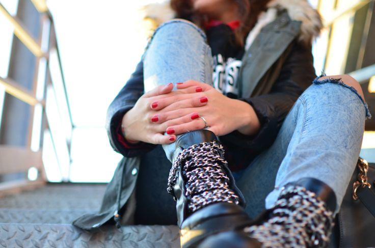 #zara #bikerboots #jeans #fashionblogger #grunge #rock #casual #streetstyle #blogger #fashion #inspiration #love #luciapalermo #winter