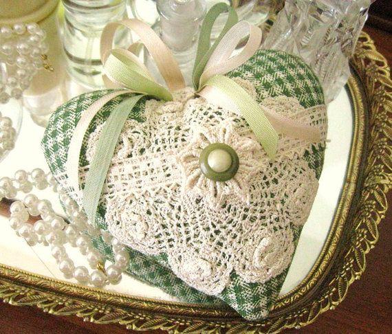 Sachet Heart, Heart Sachet, GREEN IVORY Check, Lavender Buds, Prim Primitive Cloth Handmade CharlotteStyle Decorative Folk Art