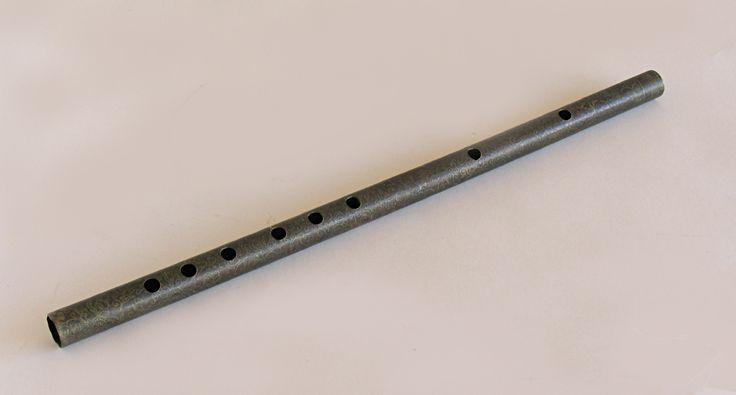 Flauta travesera de latón. Arte Asiático.  #Música #Instrumentos #MNAD