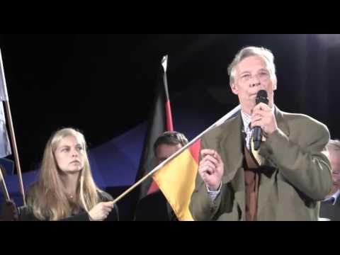 Armin-Paul Hampel: Gesetze werden tagtäglich von der Regierung gebrochen ► 11.10.2015.   Wir werden immer mehr! Danke an alle Mutbürger, die in Erfurt am 7. Oktober Flagge gezeigt haben gegen den Asyl-Wahnsinn der Altparteien! Für dreifachen Klartext haben Alexander Gauland, Paul Hampel und Björn Höcke gesorgt. Hampel hob das Gespür der Mitteldeutschen hervor, wenn die Dinge nicht ...