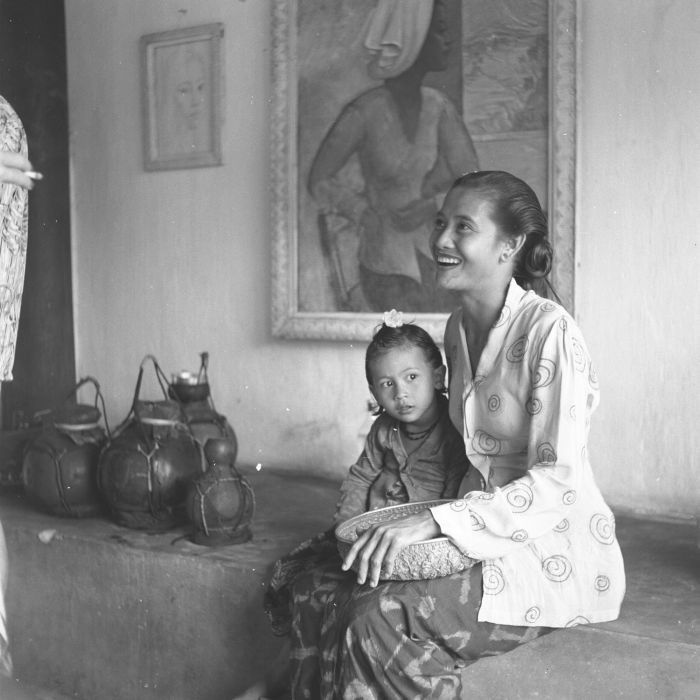 Theo Meier´s wife and child. Iseh, Bali.