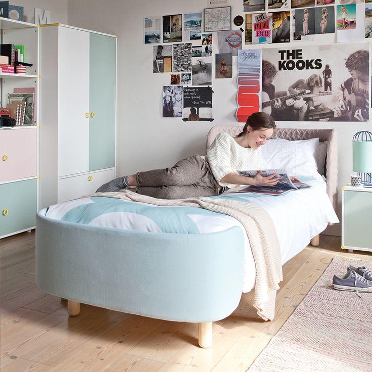 Le lit softly single se démarque par ses formes tout en douceur et en arrondis convenant aussi bien à une chambre denfant quà celle dun adolescent