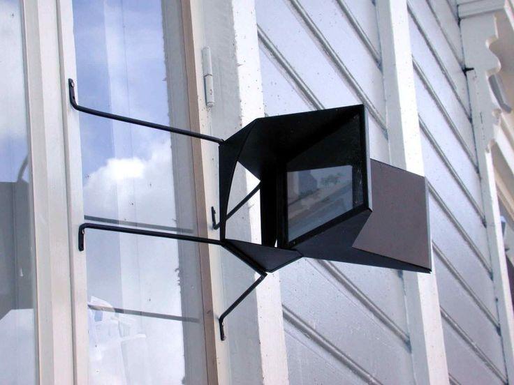 Skvallerspegel / Juoru peili / gossip mirror 160€  #EKTAMuseumcenter #gossipmirror #Skvallerspegel