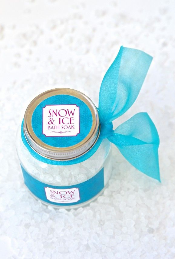 Snow & Ice Bath Soak Free Recipe - party favor for a FROZEN Birthday Party via PagingSupermom.com #frozen