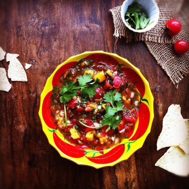 Salsa de tomates et nectarines