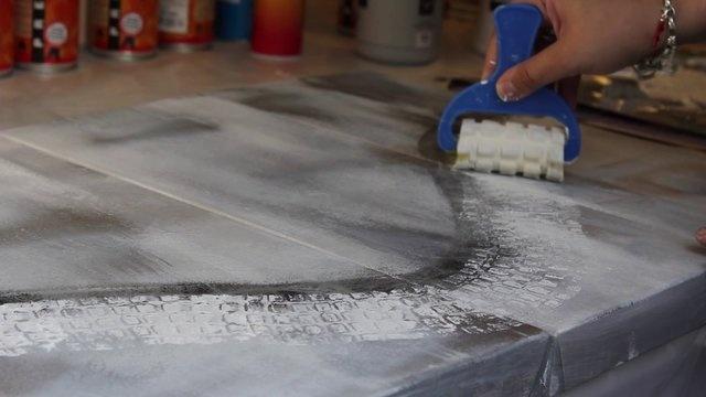 On apprend quoi aujourdhui? Une peinture abstraite avec Tiffany Haefliger by Le Géant des Beaux-Arts. Vidéo de démonstration dune peinture abstraite par Tiffany Haefliger.
