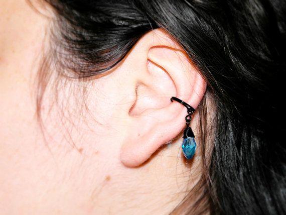 Piercing nero cristallo azzurro, finto piercing tecnica wire, orecchino finto piercing fil di ferro nero, piercing cartilagine orecchio