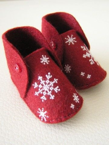 Mini baby shoes HAND EMBROIDERED snow crystals on by amujpn