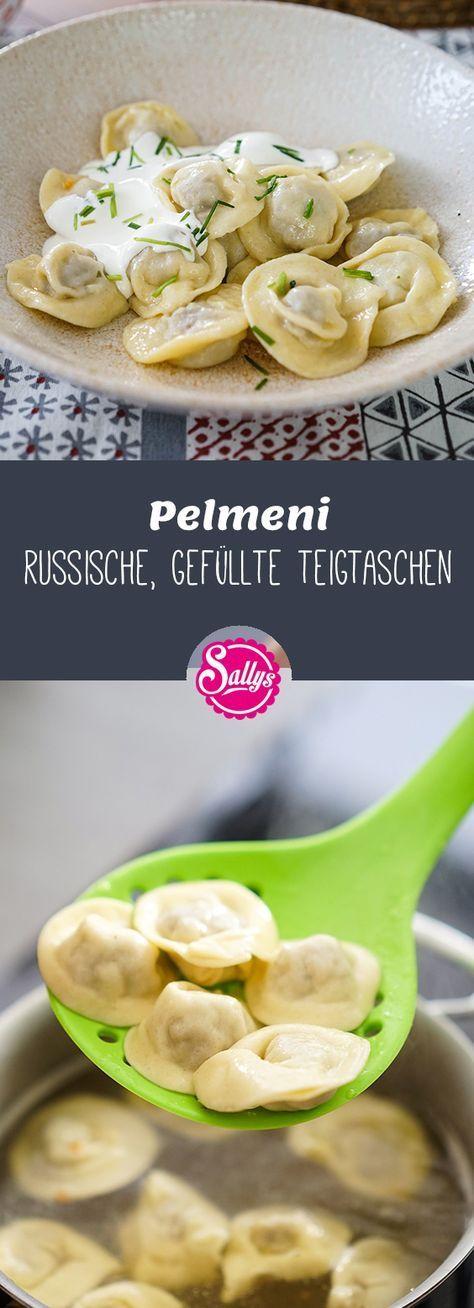 Pelmeni sind russische, gefüllte Teigtaschen, die in Brühe oder Salzwasser geg…