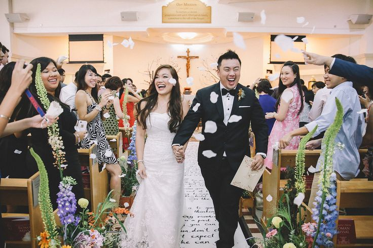 Caline Ng specialized in Actual Day Wedding and Pre Wedding Photography. Call us to capture all your memorable moments.