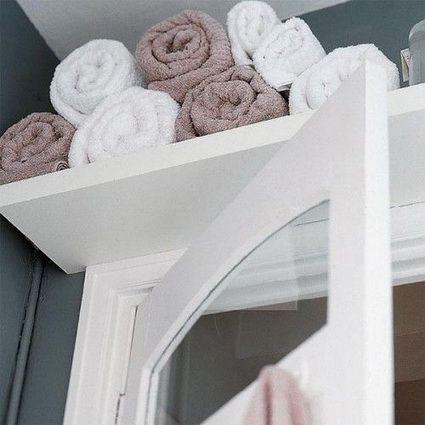 Almacenaje arriba de la puerta para el baño