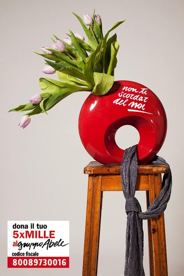 """Gianni, da Torino: """"Per ricordare l'importanza della donazione del 5x1000, ho fatto un nodo al vaso, raccoglitore dell'acqua che da sostentamento ai tulipani"""". Grazie MILLE... anzi grazie 5 per MILLE!"""