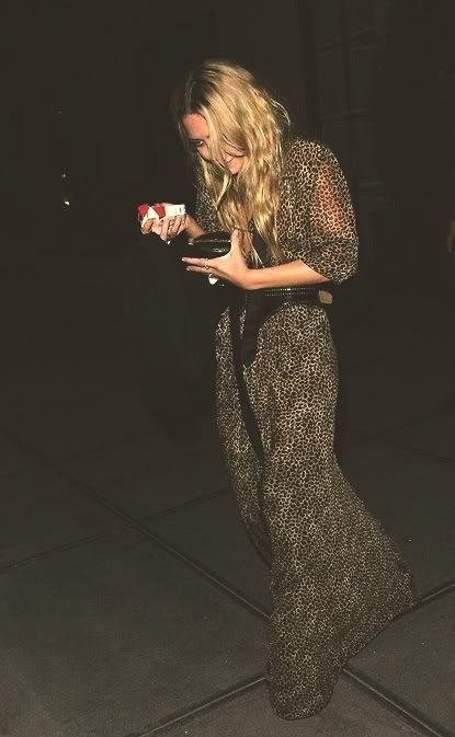 mary kate olsen. love this dress.