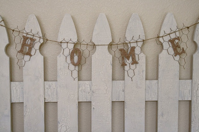 chicken wire pennant banner--I like the chicken wire look, but I can't bring myself to spend so much on one craft item..
