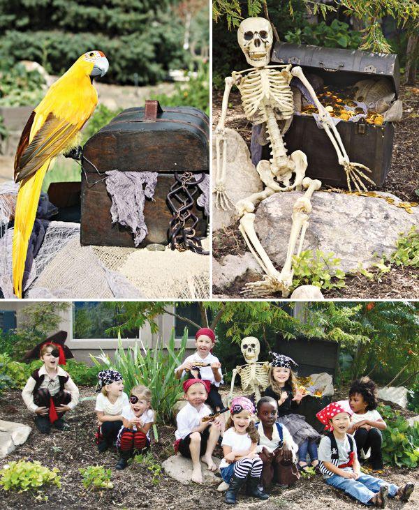 Love these decorations for a pirate party! / ¡Me encantan estos decorados para una fiesta pirata!