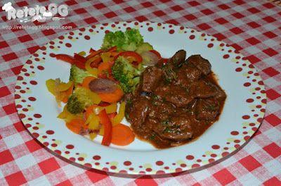 Strut cu vin si rozmarin, legume sote si salata de spanac  #buzzgourmetdestrut  http://retetegg.blogspot.ro/2016/11/strut-cu-vin-si-rozmarin-legume-sote-si.html