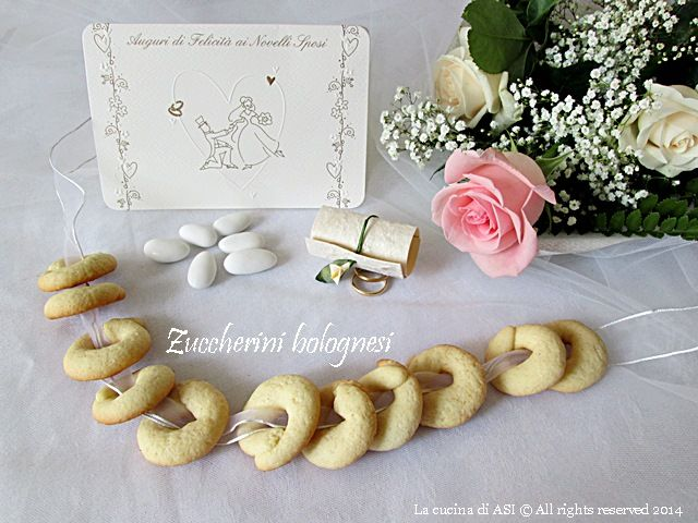 Questi zuccherini nuziali bolognesi sono una tipica preparazione che a forma di fede era preparata e regalata a tutti gli invitati al posto dei confetti ASI