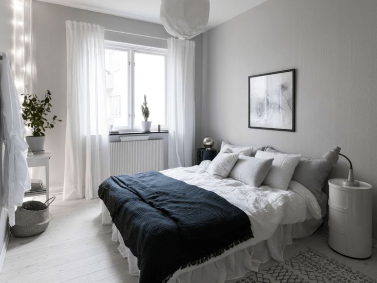 Fresh home in black and white - via Coco Lapine Design