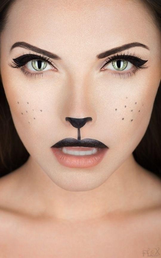 schnelles makeup halloween frau schwarze katze augen