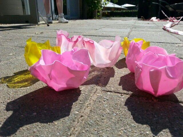Tulpenbakjes van gesmolten plastic