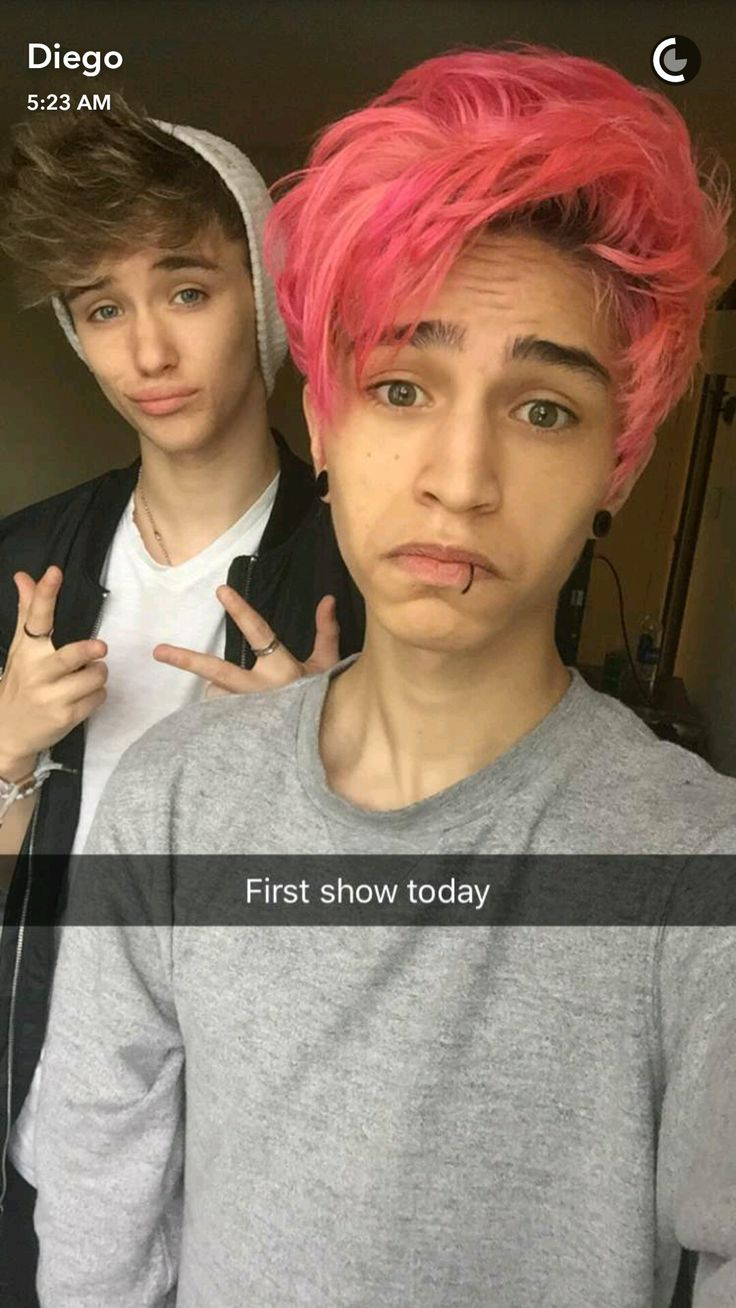 Pin By Ruby Rose On Diegosaurs Emo Boys Emo Style Hair