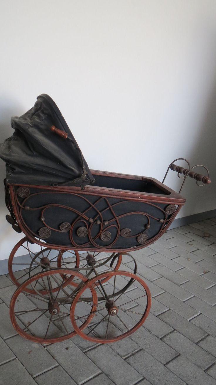 alte puppenwagen auf pinterest alte kinderwagen nostalgie puppenwagen und ddr kinderwagen. Black Bedroom Furniture Sets. Home Design Ideas