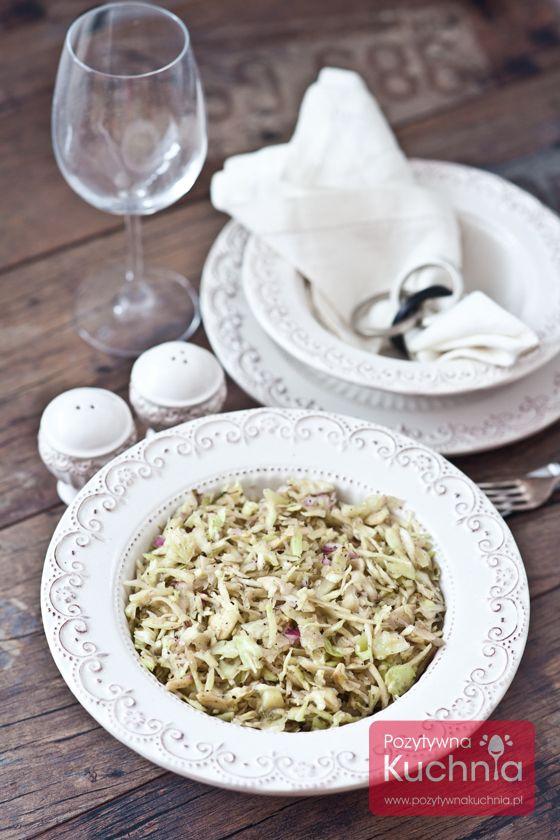 Biała #kapusta na surowo czyli #surowka z białej kapusty :).  http://pozytywnakuchnia.pl/surowka-z-bialej-kapusty/  #przepis #kuchnia #obiad