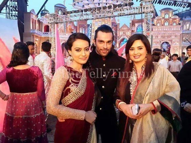 Asad Ahmed Khan And Zoya Farooqui 180 best images about ...