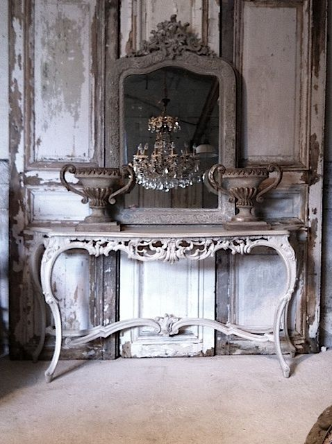 Cool & talented antique hunters! Does this arrangement of fabulous elements make you swoon? Why yes, it does.