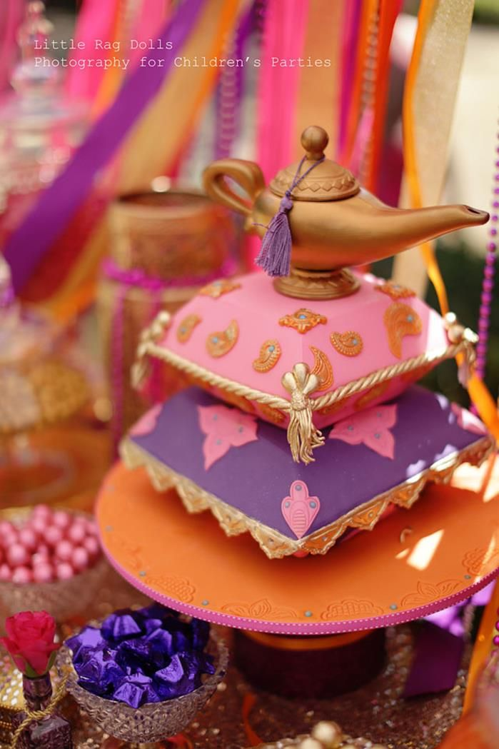24 best images about belly dancing cakes on pinterest for Arabian cake decoration