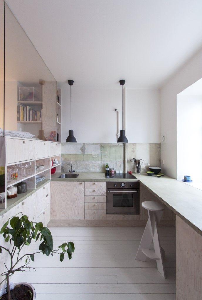 Ruotsalaisen arkkitehdin Karin Matzin suunnittelema 36-neliöinen asunto Tukholmassa Heleneborgskatanilla jakaa mielipiteitä – joitakin sen...