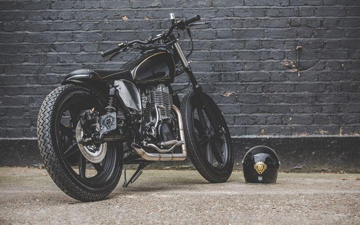 Download wallpapers Yamaha SR500, bobber, black motorcycle, helmet, luxury motorcycle, Yamaha