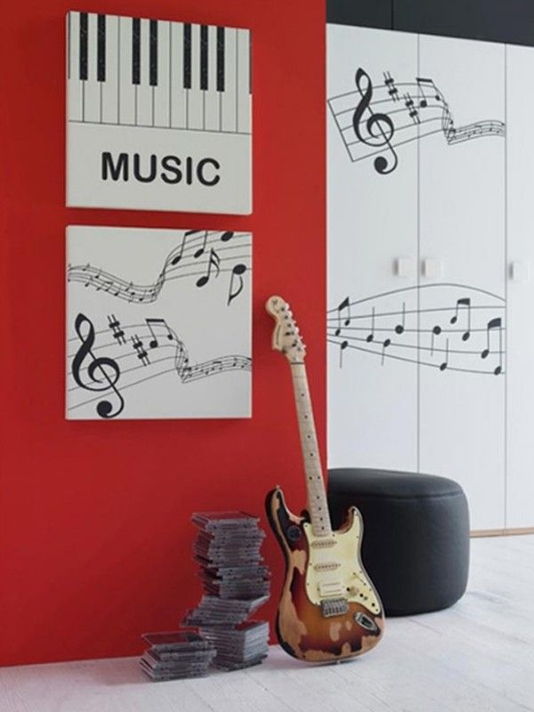 Music eeeeverywhere in this room. If you have a small wall to cover, two large canvases like this would work great. Ether do it the easy way and attach a wall decal sticker or paint your own music style #piano #decor #DIY