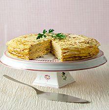 Η πιο εντυπωσιακή τούρτα ομελέτα, η οποία θα κλέψει τις εντυπώσεις σε ένα οικογενειακό Κυριακάτικο πρωινό ή ως ορεκτικό σ' ένα ανάλαφρο καλοκαιρινό τραπέζι