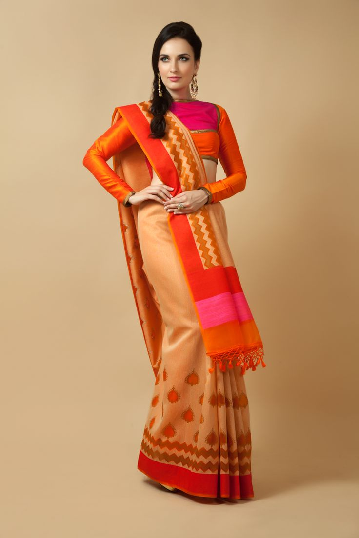 Handloom saree weaved in kora silk. Item number W15-132