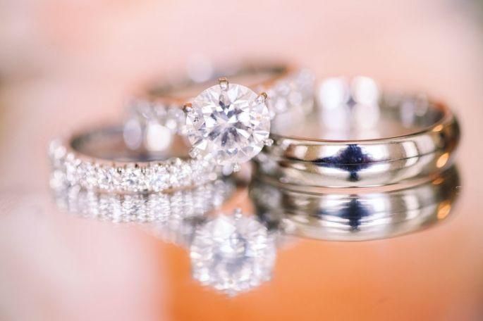 Bridal set definitivo: anillo de compromiso+anillo de aniversario+alianza de boda. Kay English Photopgraphy
