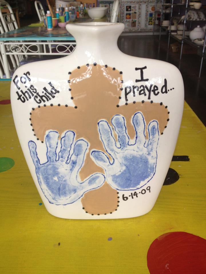 1000 images about handprint pottery ideas on pinterest for Handprint ceramic plate ideas