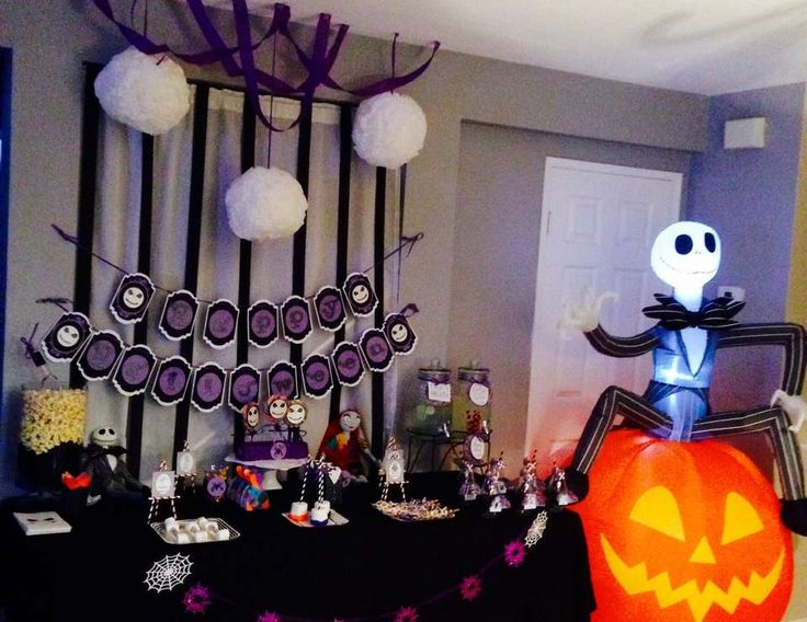 37 best Erica\u0027s 2nd Birthday images on Pinterest Nightmare before - halloween fish tank decorations