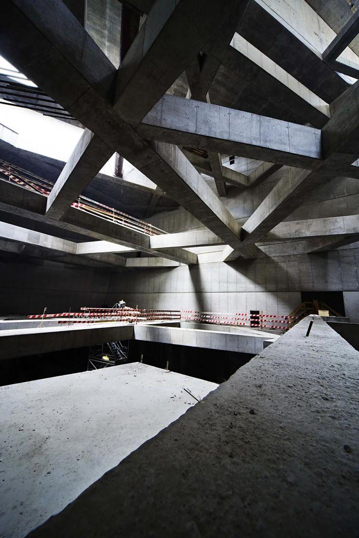 Looks like an unintentional Tadao Ando tribute.