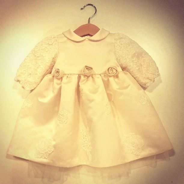 Da @sposestile la #newcollection #battesimo e #damigella #baby! #bimba #altamoda #bambina #sumisura #cerimonia #pizzofrancese #sartoria #stile #madeinitaly #castelbarco #fierasposi #sposidea #lusso #tulle #Weddings #WeddingPassion #WeddingCity #WeddingEtiquette #love #beautiful