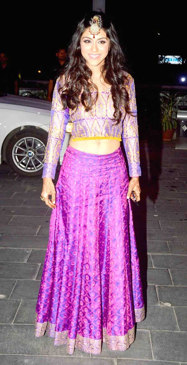 Zoa Morani at Shirin Morani's wedding reception. #Bollywood #Fashion #Style #Beauty