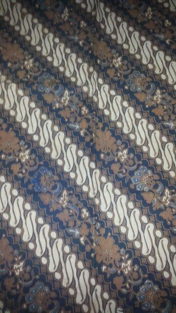 batik sogan solo parang seling. sogo genes (pewarna alami)