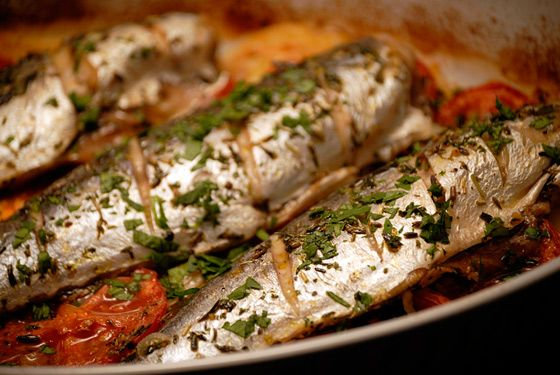 Baked Mackerel With Potatoes And Onions. This blue fish beauty is packed with anti-inflammatory Omega-3s paired perfectly  anti-oxidant-rich tomatoes. Savory Red&BlueFoods for a hearty dinner. (http://blogs.kqed.org/essentialpepin/2011/09/19/baked-mackerel-with-potatoes-and-onions/)
