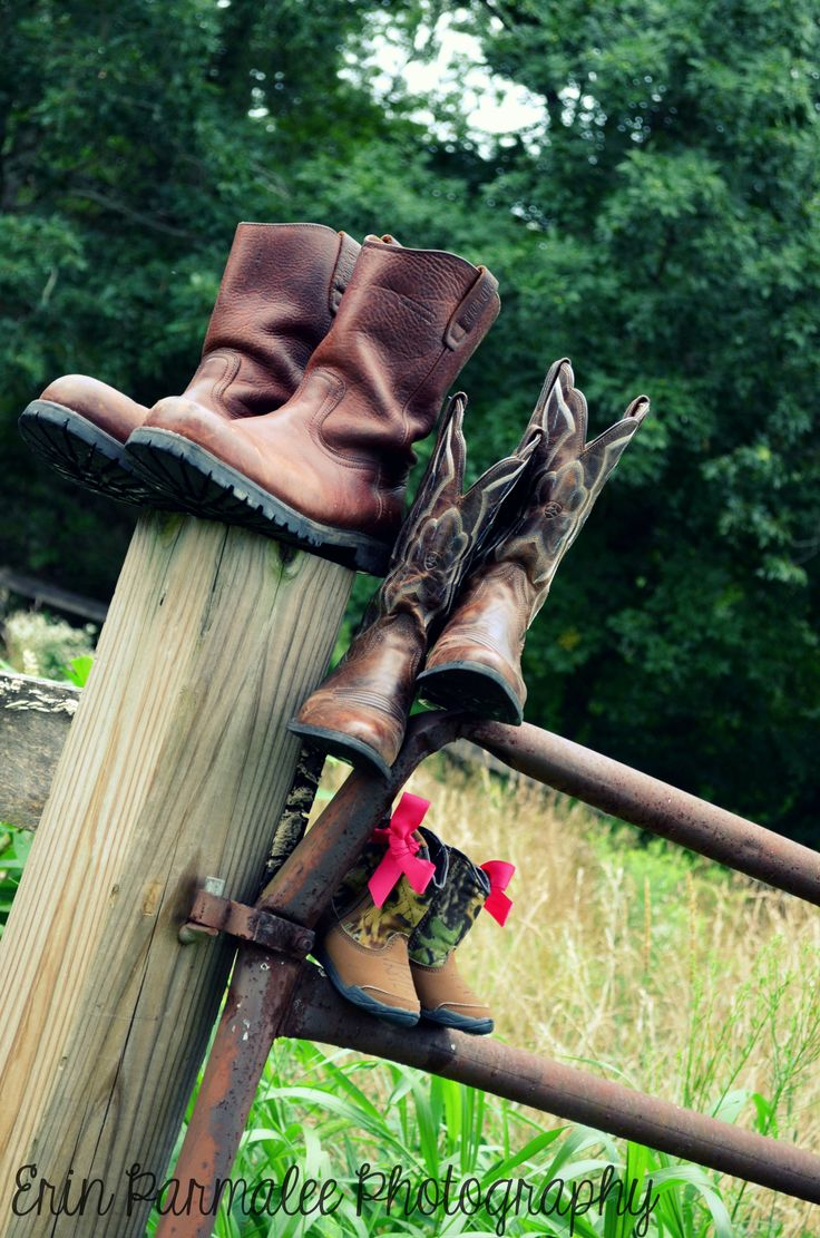 Maternity, vintage, boots, country, fence Copyright Erin Parmalee Photography