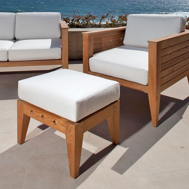 Part of the Craftsman Collection, the Craftsman Teak ottoman is a versatile piece of furniture that serves as extra seating, side table, or footrest. Generous proportions and attention to detail easily allow the ottoman to blend well with both traditional and modern styles.
