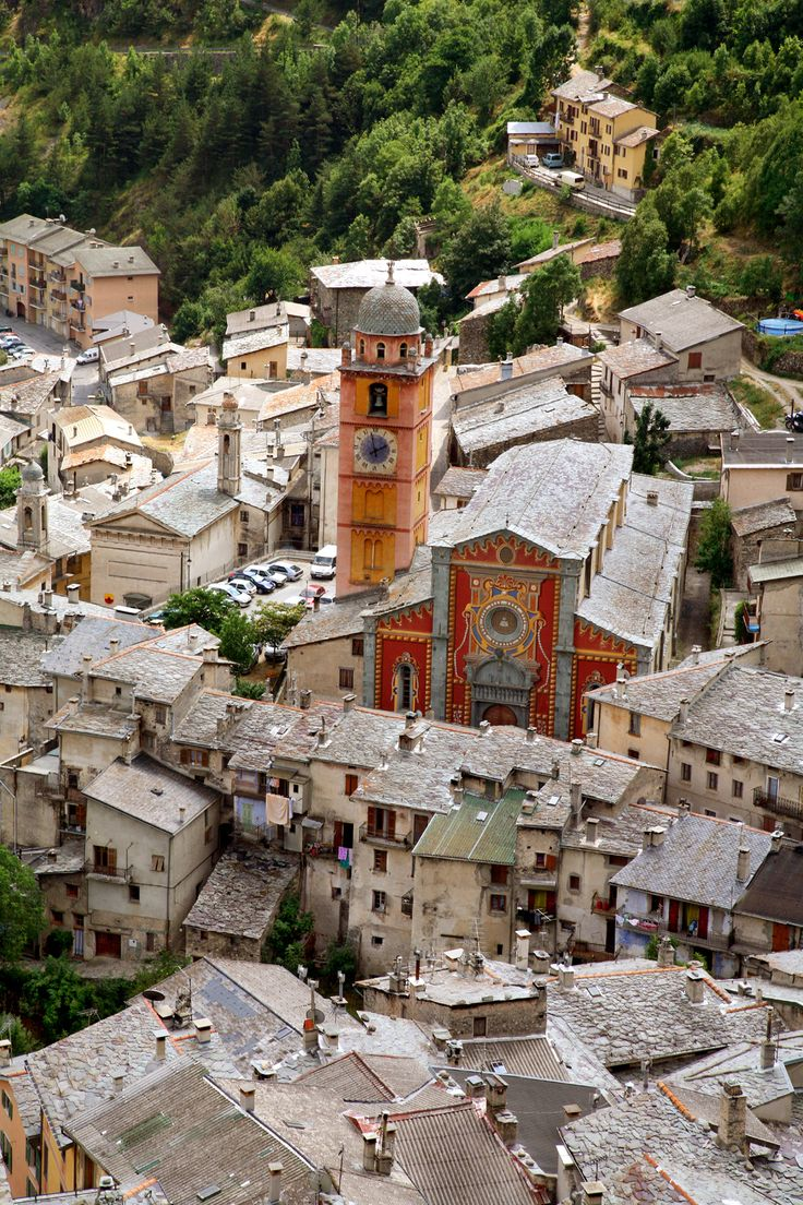 Tende is a small village in the Provence-Alpes-Côte d'Azur (PACA) province of France