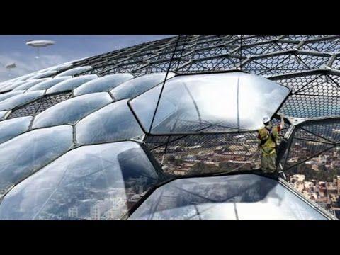 Очевидцы регулярно фиксируют работы технических служб по ремонту купола ...