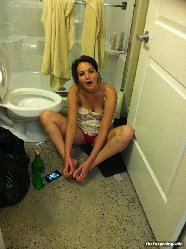 Leaked Pics Of Hollywood Actress Jennifer Lawrence Show Her Dazed After An Mk Ultra Session 50 Shades Of Pissed Off