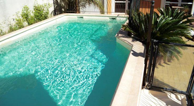 Booking.com: Logis Hotel De La Clape - Narbonne-Plage, France