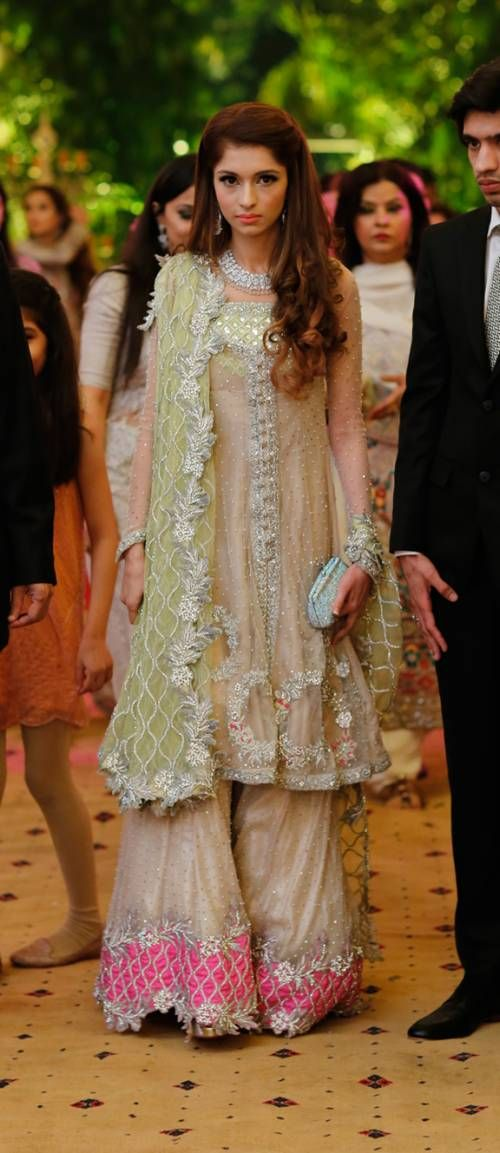 ZEHRA SALEEM LOOKS ETHEREAL AND FEMININE AT HER ENGAGEMENT, WEARING HER OWN DESIGN